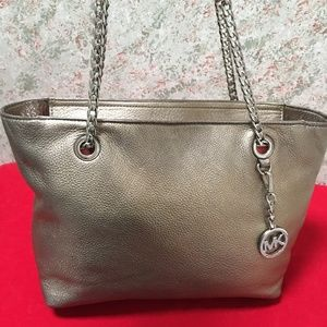 Michael Kors Bags - MICHAEL KORS Metallic Leather JET SET Chain Tote